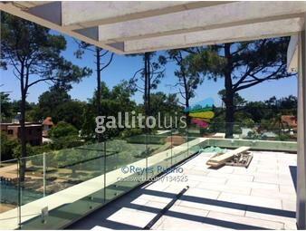 https://www.gallito.com.uy/venta-apartamento-penthouse-2-dormitorios-en-carrasco-inmuebles-16639356