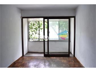 https://www.gallito.com.uy/a-la-calle-y-con-balcon-inmuebles-18912561