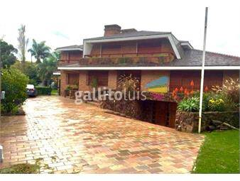 https://www.gallito.com.uy/espectacular-casa-5-dormitorios-en-suite-carrasco-inmuebles-18980292