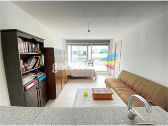 https://www.gallito.com.uy/venta-monoambiente-penthouse-con-gran-patio-en-el-centro-inmuebles-19101893