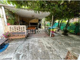 https://www.gallito.com.uy/2-casas-con-jardin-fondo-cparrillero-solymar-proximo-a-inmuebles-19108203
