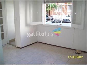 https://www.gallito.com.uy/casa-bto-mitre-y-av-soca-2-dorm-patio-baño-y-coc-recicl-inmuebles-19144554