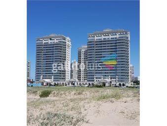 https://www.gallito.com.uy/venta-hermoso-apto-4-suites-frente-a-playa-brava-inmuebles-19249208