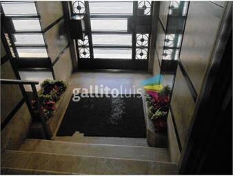 https://www.gallito.com.uy/sobre-18-de-julio;-planta-baja-excelente-zona-inmuebles-19310387