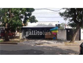 https://www.gallito.com.uy/casa-con-cochera-frente-a-la-iglesia-del-cerrito-inmuebles-19340720