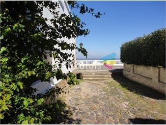 https://www.gallito.com.uy/muy-linda-casa-en-barrio-historico-inmuebles-19344384