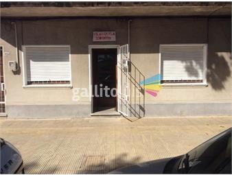 https://www.gallito.com.uy/casa-de-dos-dormitorios-baño-y-patio-en-brazo-oriental-inmuebles-19384358