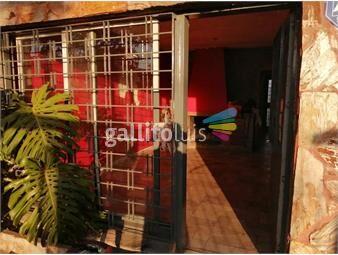 https://www.gallito.com.uy/casa-con-posibilidad-de-mas-viviendas-295-m2-a-reciclar-inmuebles-19385975