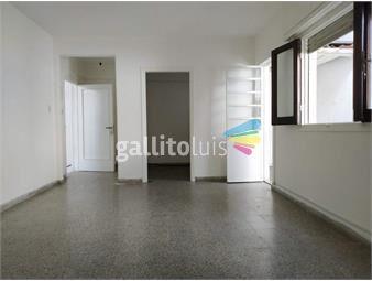 https://www.gallito.com.uy/venta-casa-2-dormitorios-y-patio-en-paruqe-batlle-inmuebles-19397566