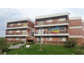 https://www.gallito.com.uy/comodo-apartamento-muy-cerca-de-la-parada-25-de-la-mansa-inmuebles-19406750