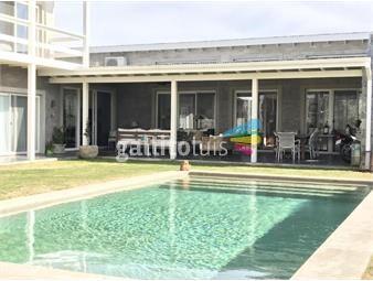 https://www.gallito.com.uy/venta-casa-3-dormitorios-viñedos-de-la-tahona-inmuebles-19416853