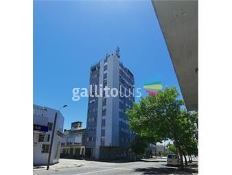 https://www.gallito.com.uy/alquiler-apartamento-la-comercial-2-dorm-mb-ubicado-inmuebles-19317374