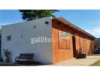 https://www.gallito.com.uy/casa-de-2-dormitorios-el-pinar-inmuebles-19505080