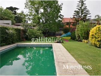 https://www.gallito.com.uy/centrica-4-dorm-4-baños-gran-fondo-barbacoa-y-piscina-inmuebles-19552628