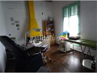 https://www.gallito.com.uy/excelente-propiedad-varios-usos-empresa-vivienda-o-deposit-inmuebles-19560636