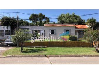 https://www.gallito.com.uy/espaciosa-y-soleada-casa-con-apartamento-contiguo-inmuebles-19566687