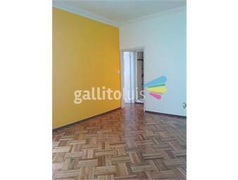 https://www.gallito.com.uy/amplio-apartamento-1-dormitorio-1er-piso-por-escalera-inmuebles-19634924