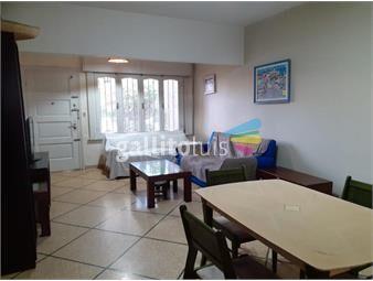 https://www.gallito.com.uy/dueño-vende-comoda-casa-en-pleno-malvin-inmuebles-19641769