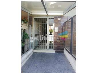 https://www.gallito.com.uy/impecable-apto-en-buceo-con-bajos-gc-1er-piso-escalera-inmuebles-19653151