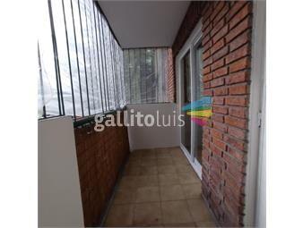 https://www.gallito.com.uy/apartamento-de-un-dormitorio-al-frente-y-con-garaje-inmuebles-15223259