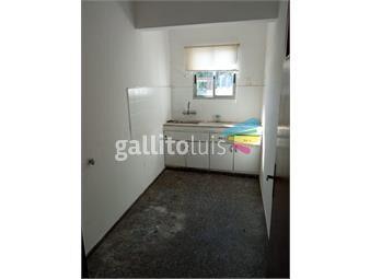 https://www.gallito.com.uy/amplio-apartamento-en-buceo-1-dormitorio-y-medio-2°-x-esc-inmuebles-19665321