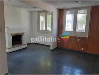 https://www.gallito.com.uy/excelente-casa-sobre-carmelo-al-frente-2-dorm-2-baños-inmuebles-19714578