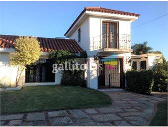 https://www.gallito.com.uy/casa-en-venta-en-carrasco-con-piscina-inmuebles-19751251