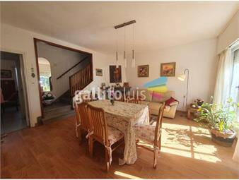 https://www.gallito.com.uy/a-pasos-de-servicios-locomocion-3-dormitorios-2-baños-garage-inmuebles-19766055