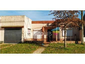 https://www.gallito.com.uy/dueño-vende-casa-garaje-estufa-patio-inmuebles-19777063