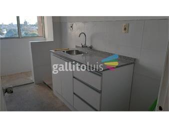 https://www.gallito.com.uy/vacio-comercio-al-sur-av-italia-reciclado-sol-portero-inmuebles-19997937