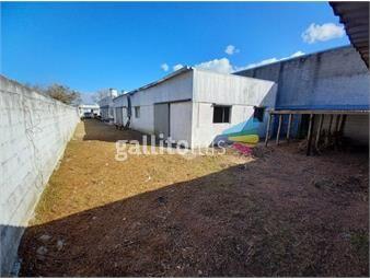 https://www.gallito.com.uy/vendo-terreno-con-casa-maroñas-5-dormitorios-3-baño-galpone-inmuebles-20078684