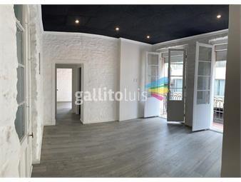https://www.gallito.com.uy/casa-de-altos-en-ciudad-vieja-3-dormitorios-2-baños-inmuebles-20097642