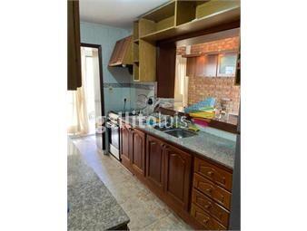 https://www.gallito.com.uy/casa-con-cochera-2-autos-patio-la-blanqueada-proximo-a-inmuebles-20213500