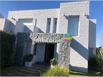 https://www.gallito.com.uy/casa-3-dormitorios-lomas-de-la-tahona-canelones-inmuebles-20394215