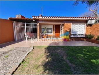 https://www.gallito.com.uy/vende-casa-4-dormitorios-2-baños-barbacoa-cochera-jardin-inmuebles-20394484