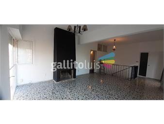 https://www.gallito.com.uy/ca894-casa-muy-luminosa-3-dormitorios-buceo-prox-a-inmuebles-20436816