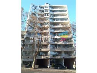 https://www.gallito.com.uy/venta-apartamento-en-parque-rodo-3-dorm-2-baños-y-garage-inmuebles-20488397