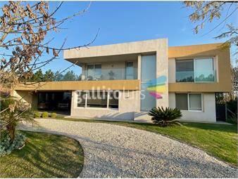 https://www.gallito.com.uy/espectacular-casa-en-barrio-privado-carmel-con-todo-nueva-inmuebles-20499778