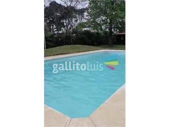 https://www.gallito.com.uy/amplio-chalet-con-piscina-climatizada-zona-de-bosque-punta-inmuebles-20675215