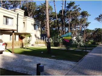 https://www.gallito.com.uy/casa-en-barrio-privado-en-rincon-del-indio-4-dormitorios-c-inmuebles-16907199