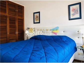 https://www.gallito.com.uy/apartamento-en-peninsula-de-2-dormitorios-1-baã±o-cerca-d-inmuebles-17010309