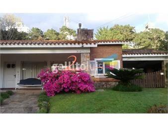 https://www.gallito.com.uy/casa-en-barrio-cantegril-inmuebles-17027985
