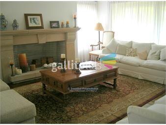 https://www.gallito.com.uy/irazabal-propiedades-barrio-san-nicolas-inmuebles-13700587