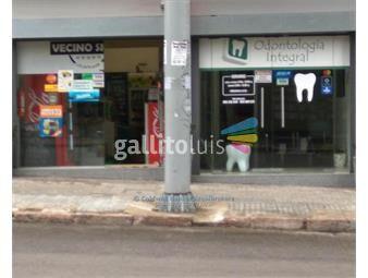 https://www.gallito.com.uy/locales-comerciales-en-venta-con-renta-en-tres-cruces-inmuebles-17152697