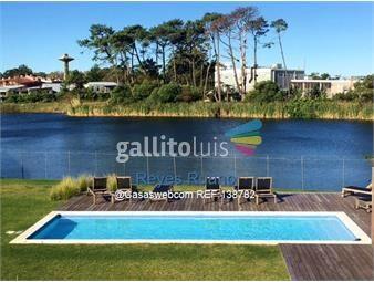 https://www.gallito.com.uy/alquiler-apartamento-3-dormitorios-en-carrasco-este-inmuebles-17401770