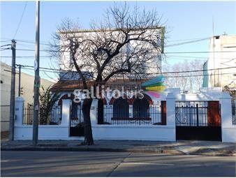 https://www.gallito.com.uy/vende-amplia-casa-de-300-m2-con-4-baños-y-garaje-inmuebles-17462210
