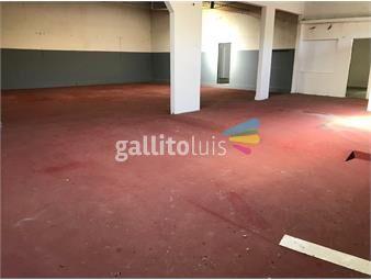 https://www.gallito.com.uy/oficina-sosa-local-de-300-m2-prox-a-larrañaga-y-propios-inmuebles-17520705