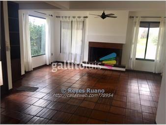 https://www.gallito.com.uy/casa-en-venta-de-4-dormitorios-en-lomas-de-la-tahona-inmuebles-15083906