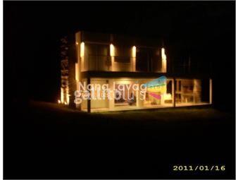 https://www.gallito.com.uy/hermosa-casa-en-altos-de-punta-piedra-con-vista-al-mar-inmuebles-15274719