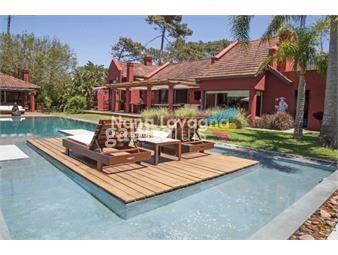 https://www.gallito.com.uy/espectacular-casa-de-6-dormitorios-en-venta-montoya-la-b-inmuebles-16433698
